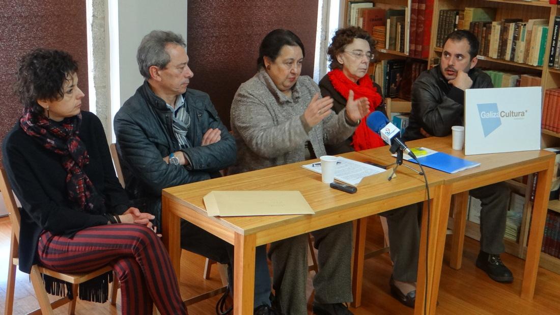 """Presentación dunha Iniciativa Lexislativa Popular para """"devolver ao pobo"""" a figura de Castelao"""